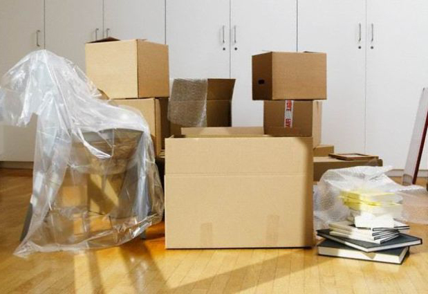 Начните с выбора и покупки качественного упаковочного материала для переезда
